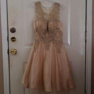 💫🧡👑!! Gold dress!!👑💫🧡